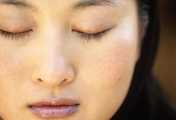 zavřené oči - žena