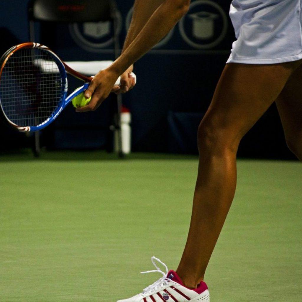 Tenisté nesmí nadávat, když hrají Wimbledone.